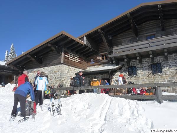Das Lusenschutzhaus hat auch in der Schneeschuhsaison geöffnet.