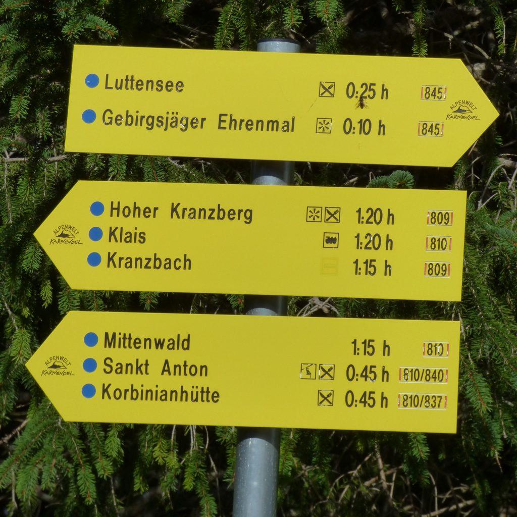 Leichtes Bergwandergebiet: Alles blaue Wege ...
