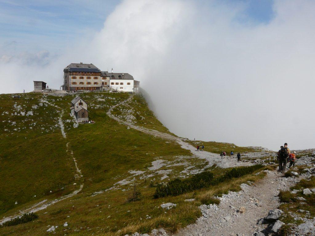 Das Watzmannhaus: Alpenvereinshütte am Watzmann